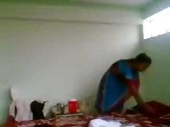 रेशमी जाँघिया में श्यामला रेशमी दस्ताने के साथ उसे फुल मूवी वीडियो में सेक्सी खुद को उँगलियाँ