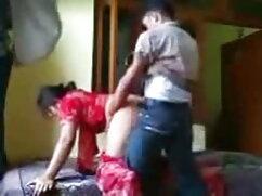 एक सार्वजनिक सेक्सी हिंदी एचडी फुल मूवी पब 2 में बड़ी उल्लसित लड़की चमकती है